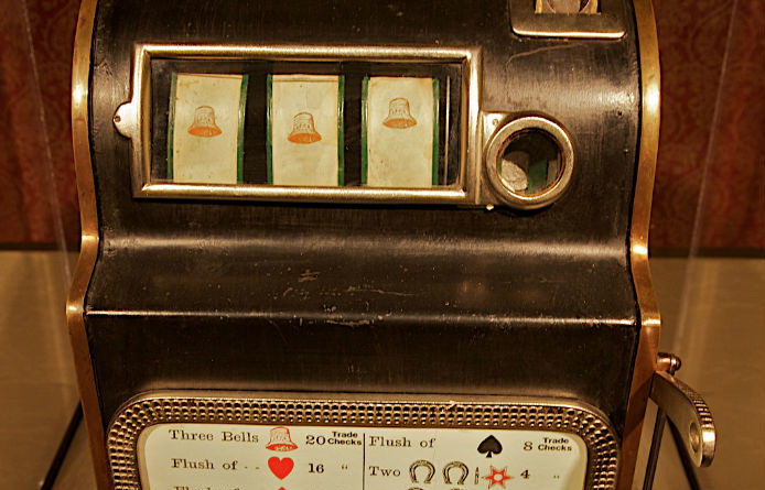 liberty-bell-the-first-slots-machine-by-charles-frey